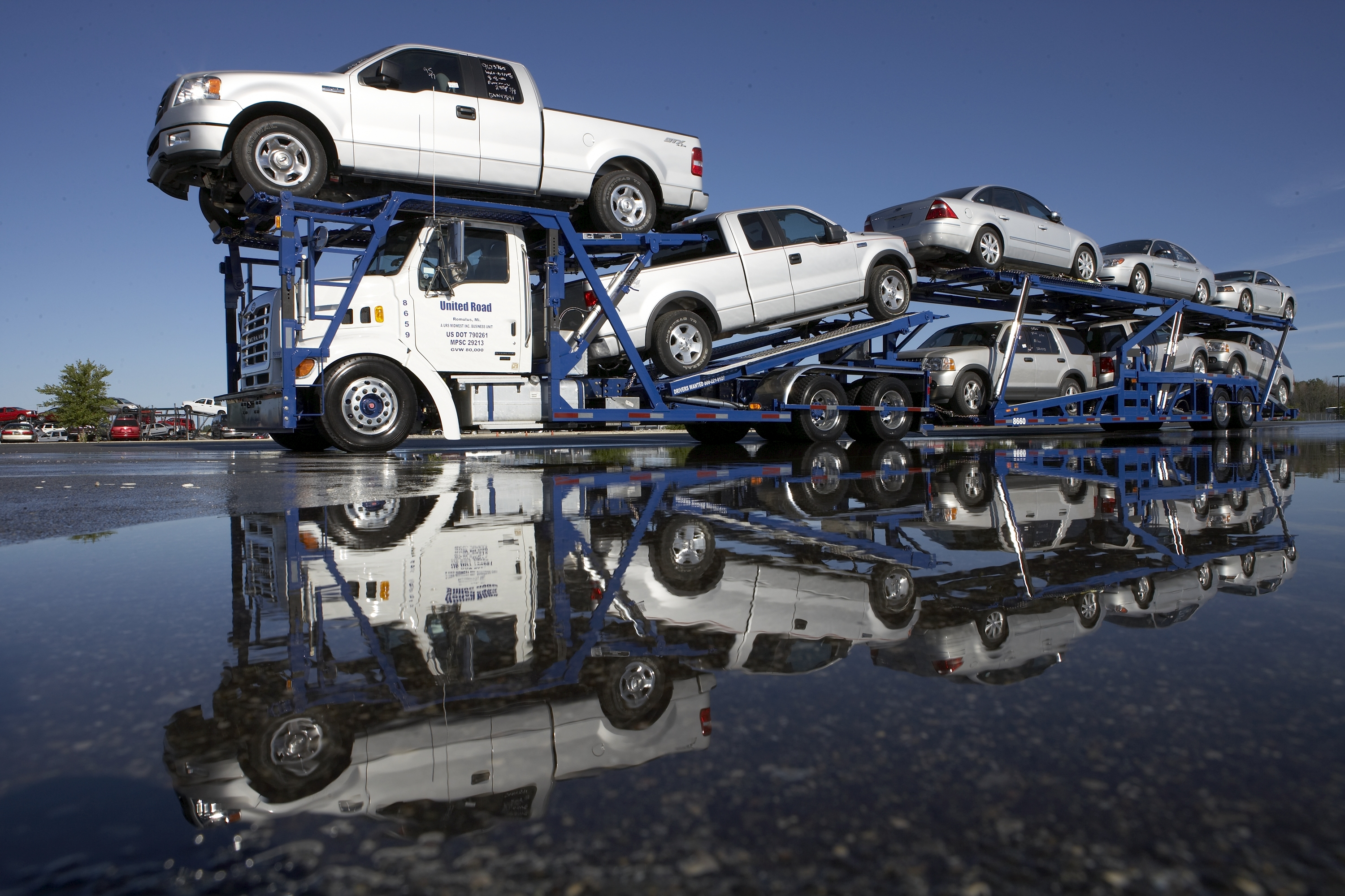 Car Hauling Jobs >> United Road Is A Family Oriented Company